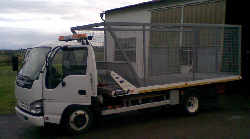 Cage grillagé pour remorque de camion