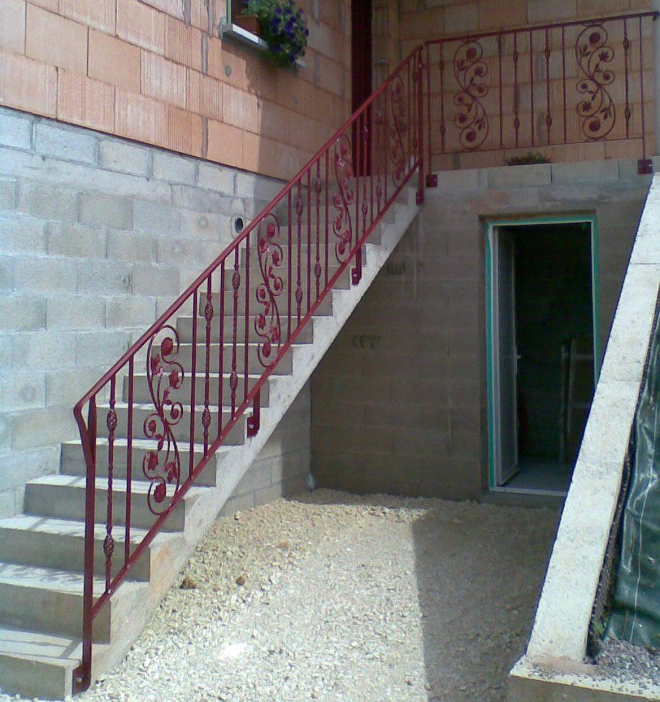 Rampe et barrière d'escalier et rampe d'accès handicapé